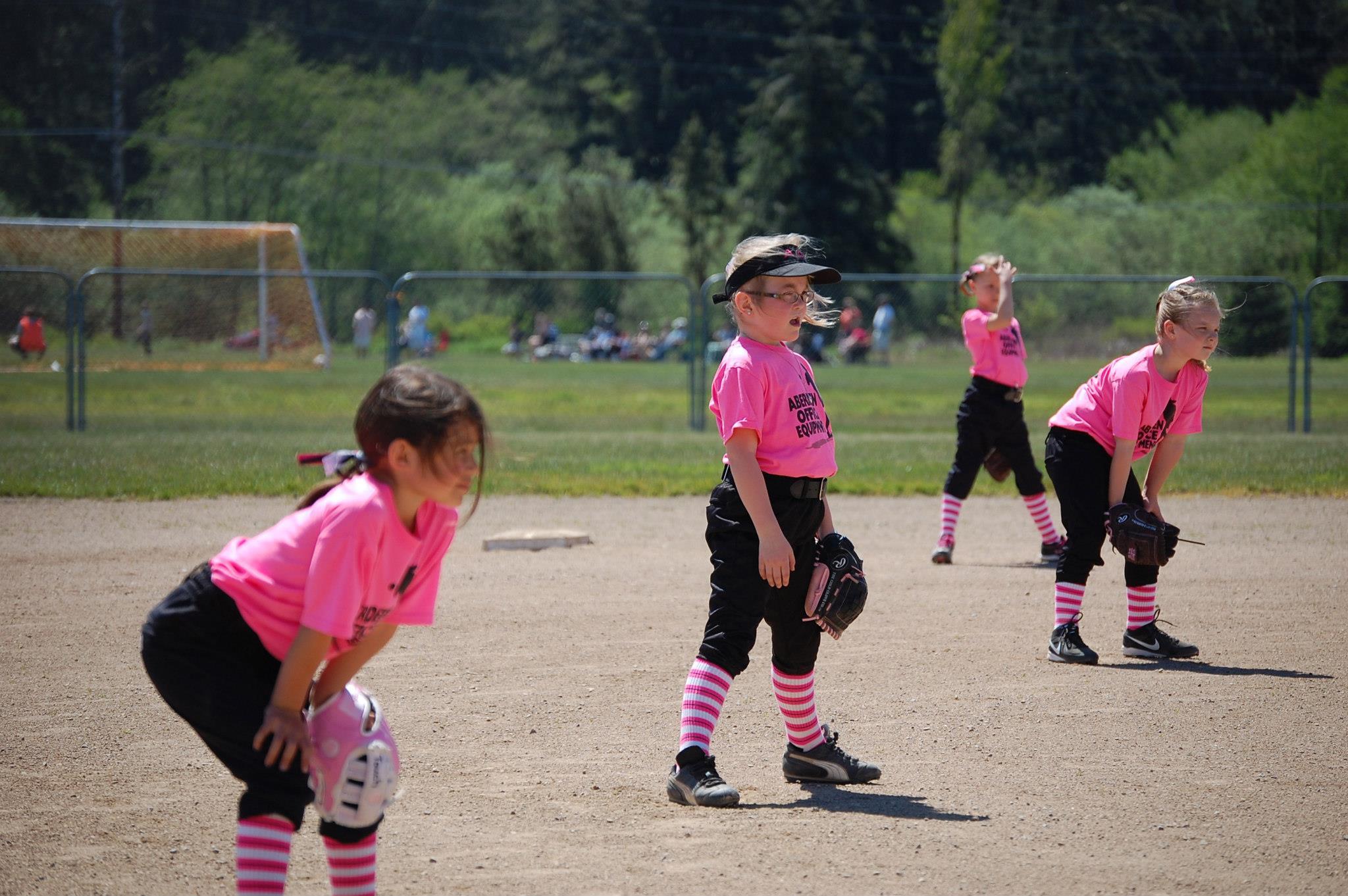 Aberdeen Girls Softbal... Girls Softball