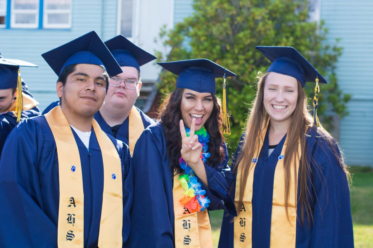 high school graduates should take a 10 ways high school students can some hospitals offer a summer volunteer program for high school students apply and take advantage of this experience so.