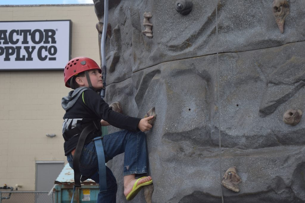 Grays Harbor 4th of July aberdeen splash festival boy rock climbing
