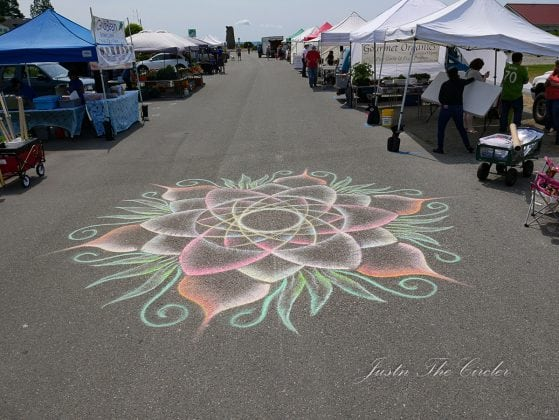 Justin the circler art at farmers market