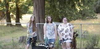 4H Girls with Goats