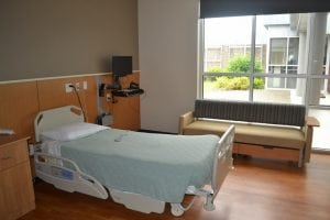 Inpatient room at Summit Pacific