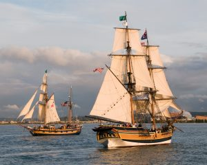 Lady Washington and Hawaiian Chieftain at sea