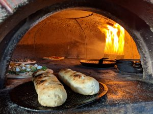 Grays-Harbor-restaurants-frontagers-pizza-oven-in-seabrook.