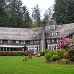 Lake Quinault Lodge outside of the back Lake Quinault Lodge