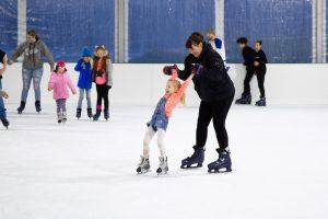 Oly on Ice Skater Pair