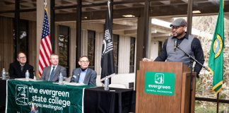 Evergreen-State-College-Veterans-Coining-Ceremony