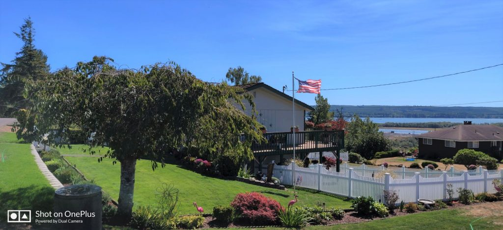 Hoquiam-Yards-of-the-Month-129-Beacon-Hill-Drive