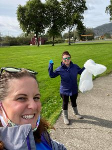 Great-NorthWest-Federal-Credit-Union-Nikki-and-Kendra-8th-Street-Park-Raymond-Cleanup