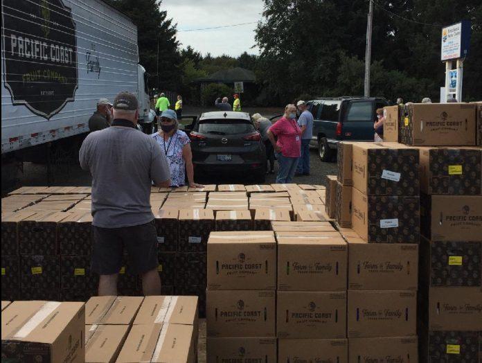 North-Beach-Senior-Center-Food-Distribution