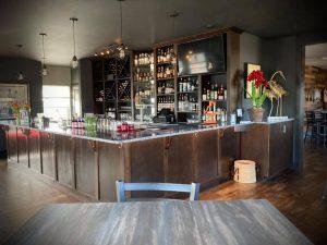 Oyhut-Bay-Grill-Ocean-Shores-bar