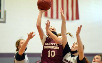 montesano-girls-basketball-2021-1