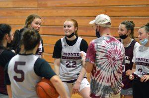montesano-girls-basketball-2021-3