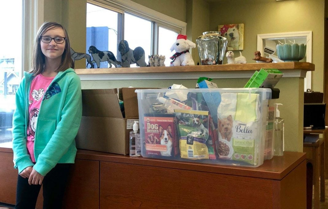 Aberdeen S Alyssa Caskey Generously Gives To Paws Of Grays Harbor Each Year Graysharbortalk