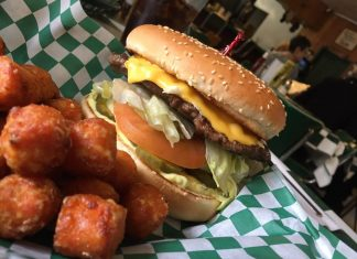 Clarks Restaurant Aberdeenburger CHEESE basket with fried egg and sweet potato tots