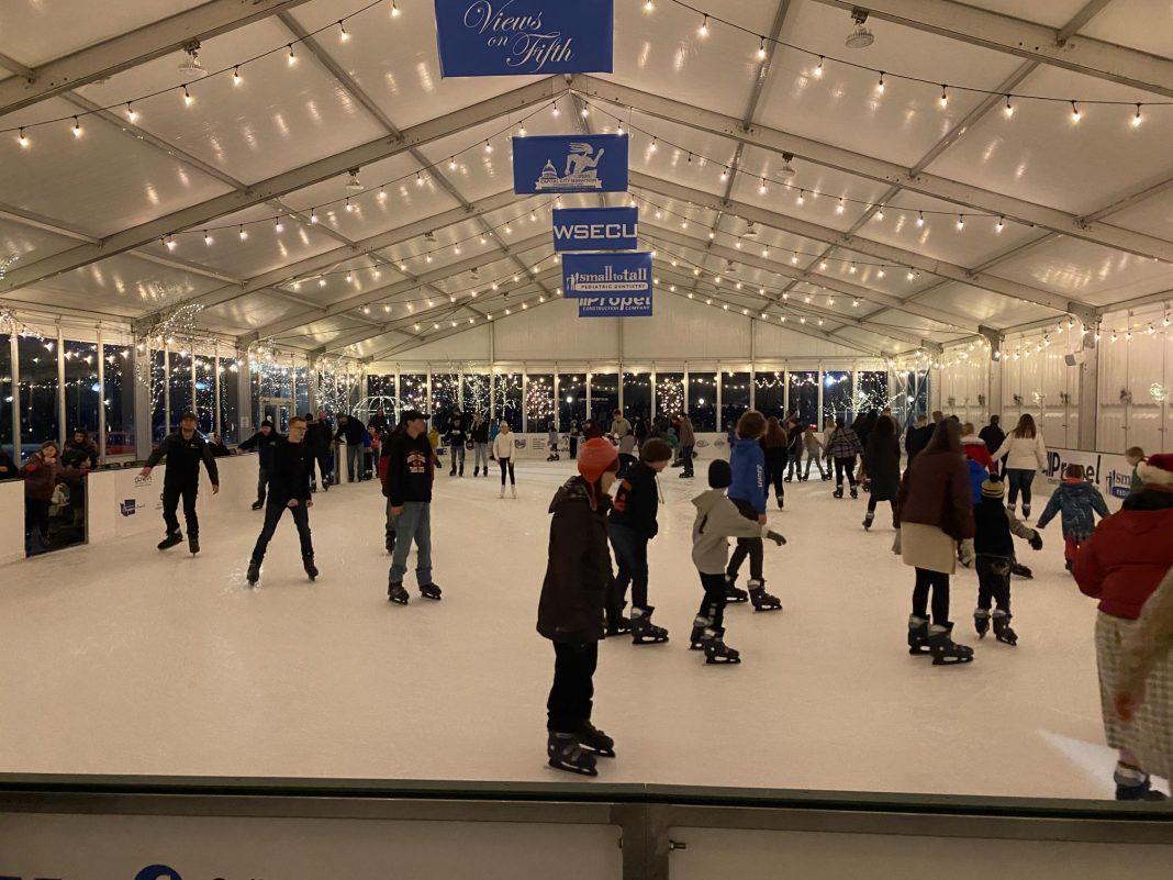 Oly-on-Ice-community-fun